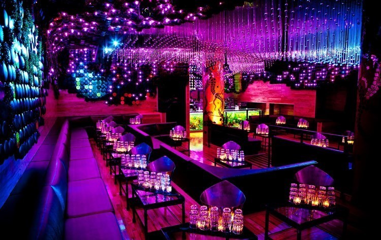 1 oak London nightclub